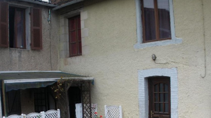 Townhouse for sale in France