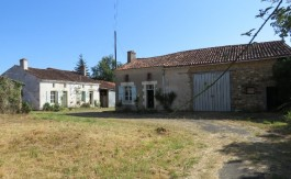 Farm for sale near Montmorillon France