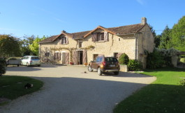 House for sale near Montmorillon France Reference : 50916