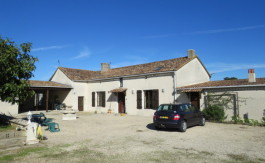 House for sale near Montmorillon France Reference : 51003