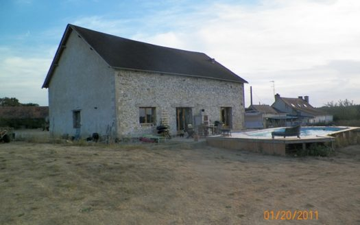 Converted barn for sale near Montmorillon France Reference : 60102