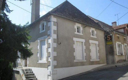 House for sale near Montmorillon France Reference : 60105