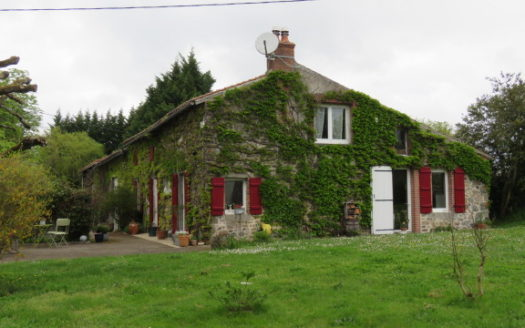 House for sale near Montmorillon France Reference : 60415