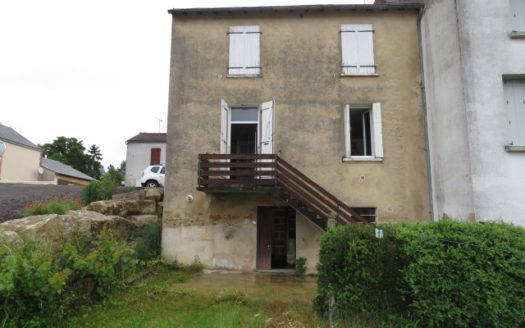 Village house for sale near Montmorillon France Reference : 60607