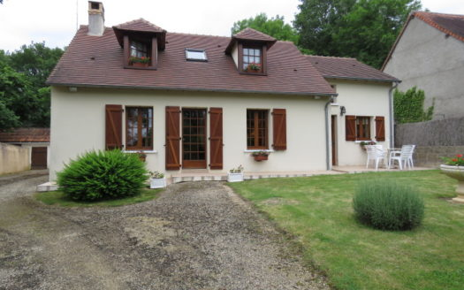 House for sale near Montmorillon France Reference : 60604