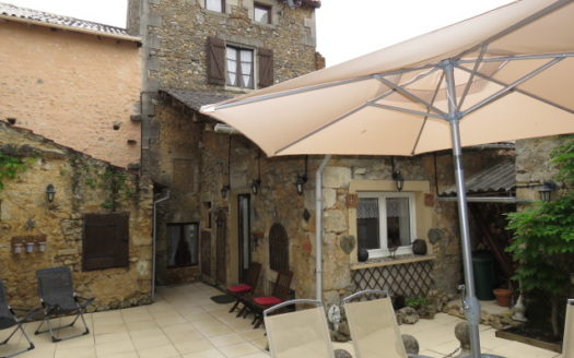 House for sale in Lussac Les Chateaux France Reference : 60603