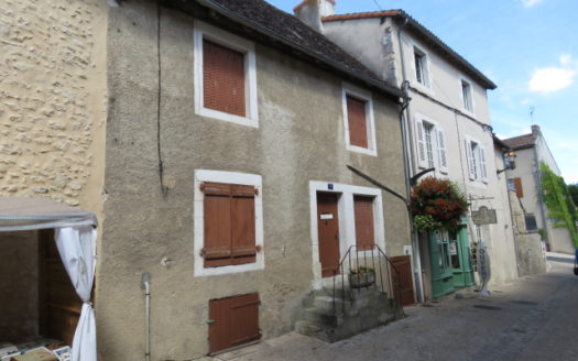 House for sale in Montmorillon France Reference : 60801