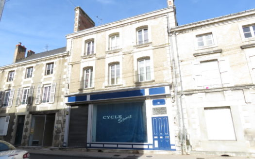 Shop for sale in Montmorillon France Reference : 70208