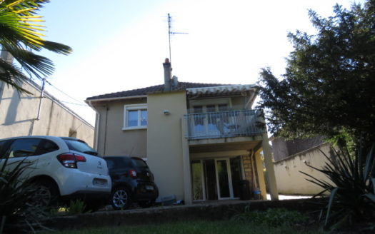 House for sale in Montmorillon France Reference : 70402