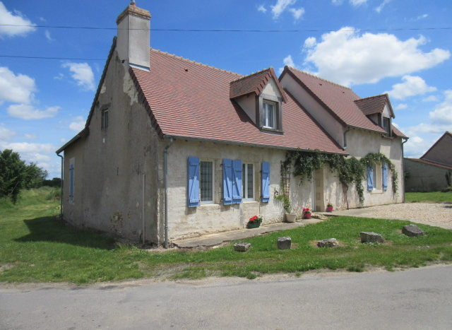 Country house for sale near Montmorillon Reference : 70510