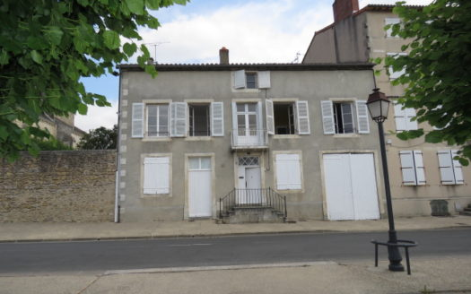 Character house for sale in Montmorillon France Reference : 70603