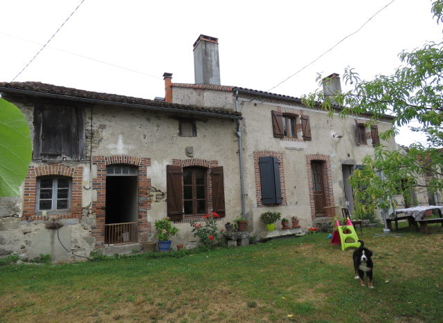 House for sale near Montmorillon France Reference : 70608