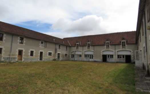 Investment for sale near Montmorillon France Reference : 70607
