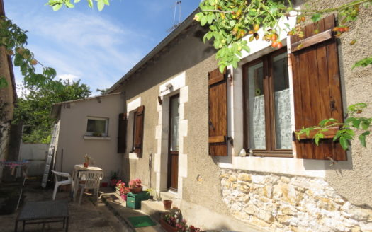 Cottage for sale near Montmorillon France Reference : 70807