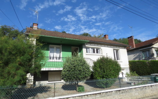 House for sale near Montmorillon France Reference : 70911