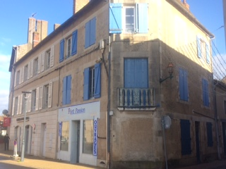 Apartments and shop for sale in Montmorillon France Reference : 71201