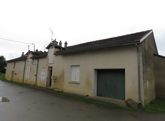 Cottage for sale near Montmorillon France Reference : 80304