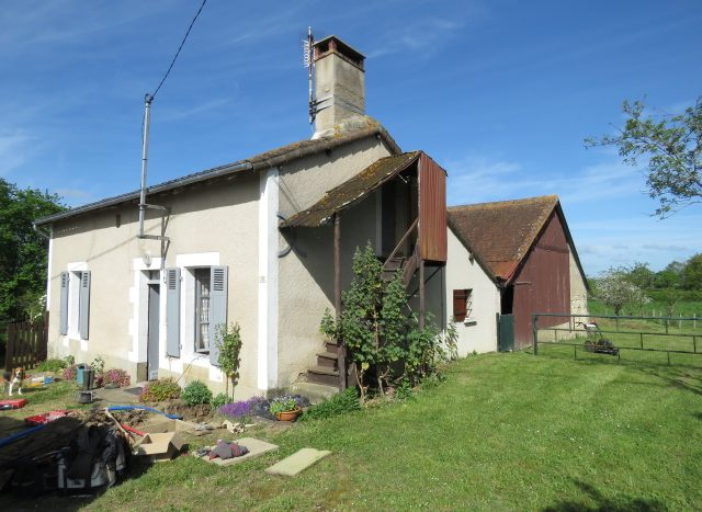 Cottage for sale near Montmorillon France Reference : 80406