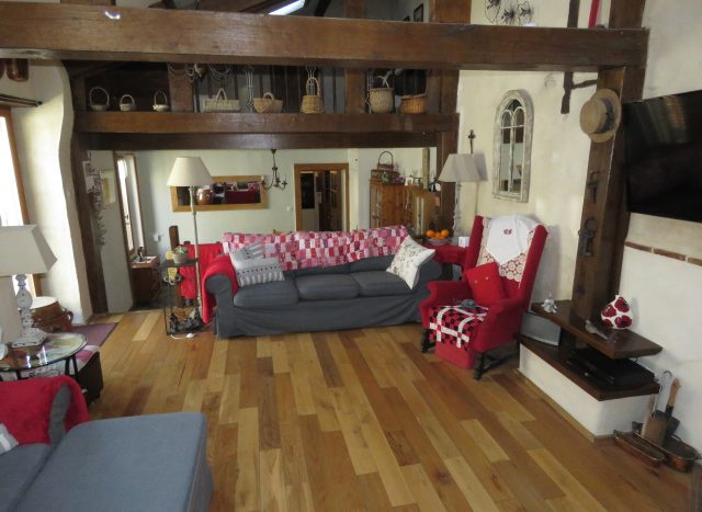 Village house for sale near Montmorillon France Reference : 80507