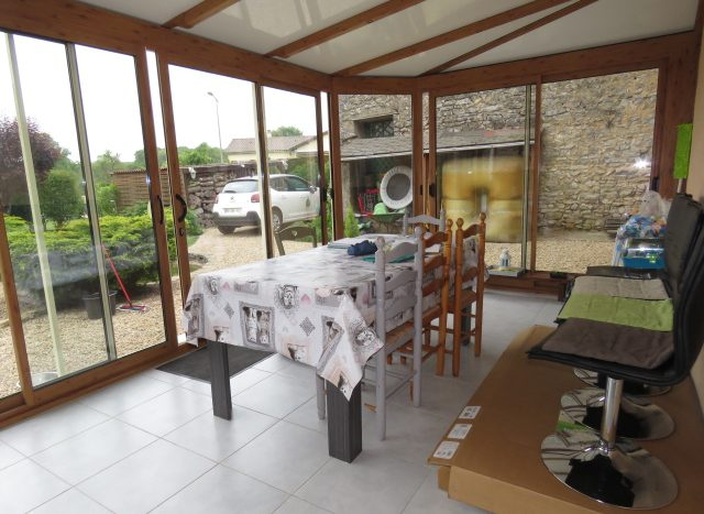 Townhouse for sale near Montmorillon France Reference : 80501