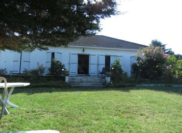 Bungalow for sale in Montmorillon France Reference : 80707