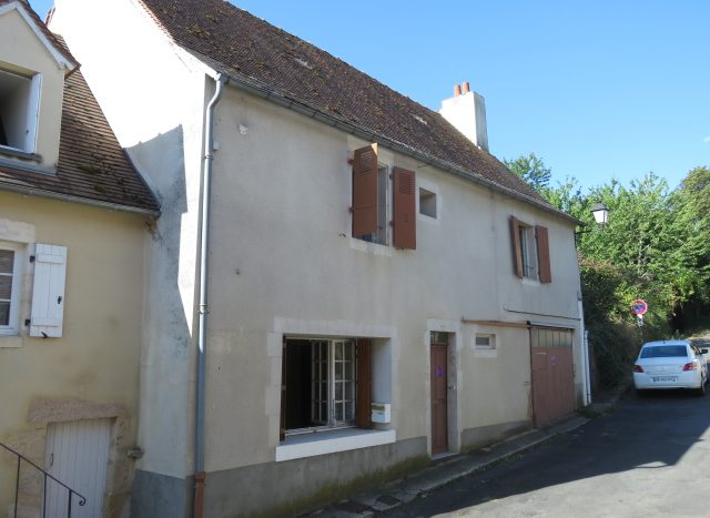 Townhouse for sale in St Savin France Reference : 80801