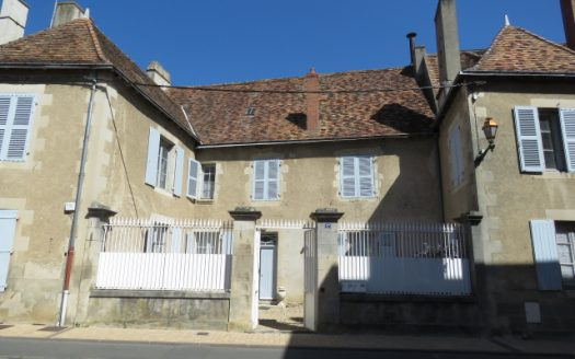 Manor house for sale in Montmorillon France Reference : 80802