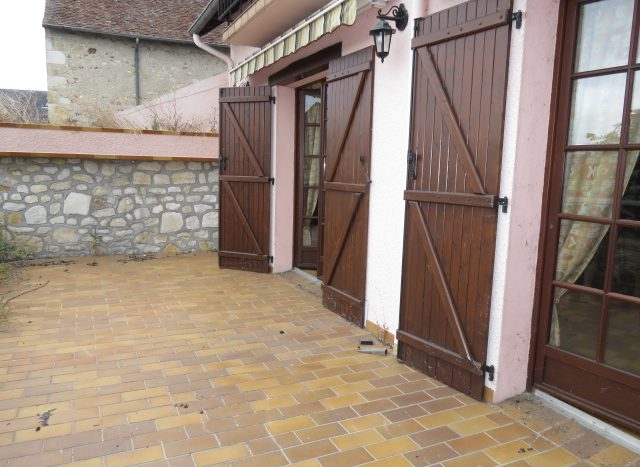 Townhouse for sale near Montmorillon France Reference : 80805