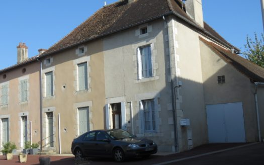 Village house for sale near Montmorillon France Reference : 80906