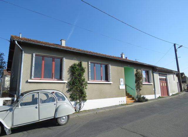 Bungalow for sale in Montmorillon France Reference : 90306