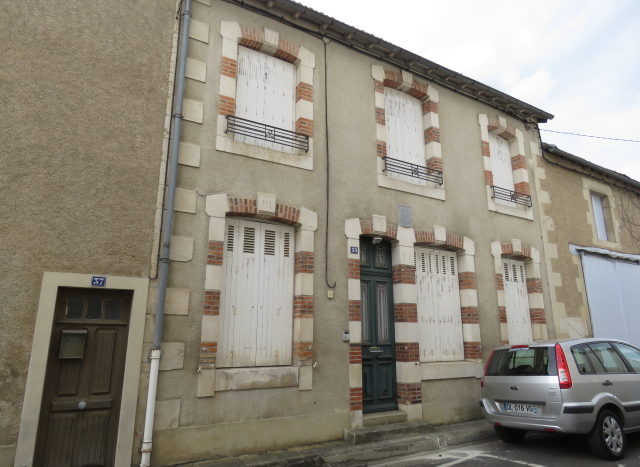 House for sale in Montmorillon France Reference : 60914