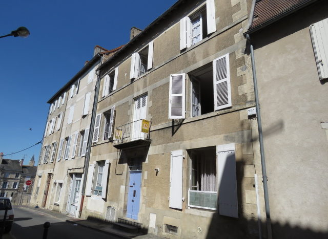 Townhouse for sale in Montmorillon France Reference : 70406