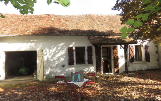 Country house for sale near Montmorillon France Reference : 71006