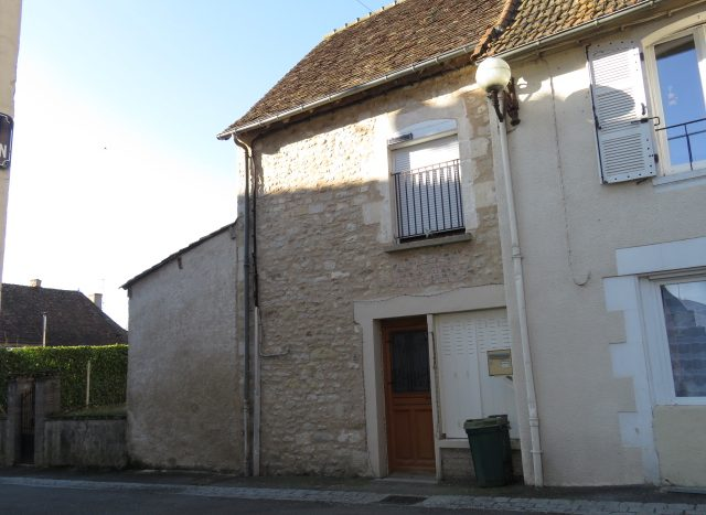 Cottage for sale near Montmorillon France Reference : 80206