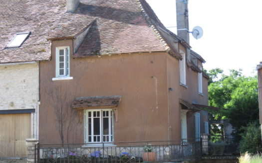Village house for sale near Montmorillon France Reference : 90605