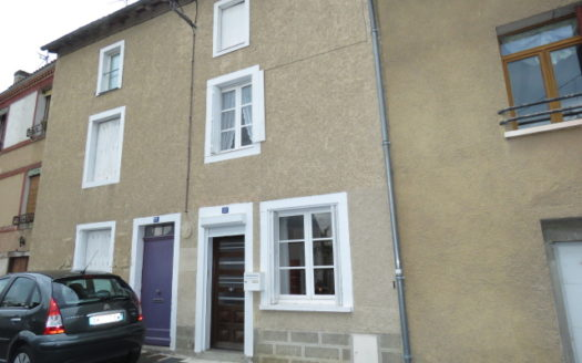 Townhouse for sale in Montmorillon France Reference : 91003