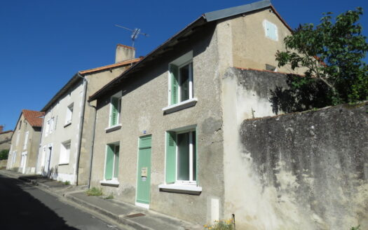 Cottage for sale in Montmorillon France Reference : 20606