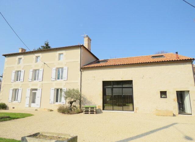 Maison de Maitre for sale near Montmorillon France Reference : 21301